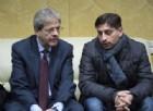 Gentiloni re del soft power contro Raggi. Intanto i dem a Torino chiedono a Renzi un «passo di lato»