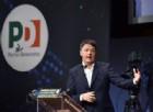 Renzi al Lingotto attacca l'«incompetenza con la cravatta» di Di Maio. E l'«alleanza dello spread»