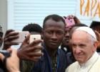 Migranti, l'appello del Papa: «Superate le paure e accogliete»