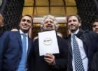 M5s: Grillo «adulto» esce dal simbolo, ma vola a Roma assieme a Casaleggio per l'assist a Di Maio