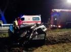 Auto si ribalta e finisce in un fosso, morto un 25enne