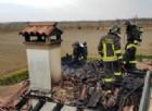 In fiamme il tetto di una casa a Taiedo di Chions: incendio domato