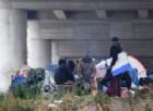 Migranti: tanti decidono di rimanere sulle sponde del fiume