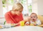 Svezzamento, nel 40% dei casi avviene troppo presto. I consigli del pediatra