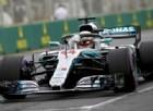 La prima pole a Hamilton, davanti alle due Ferrari