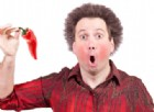 Mangia per sfida Caroline Reaper il peperoncino più piccante al mondo, ma non aveva previsto gli effetti
