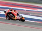 Marquez cade e scende dal trono di Austin: ne approfitta Iannone