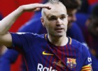 Addio in lacrime: Iniesta lascia il Barcellona dopo 22 anni di trionfi