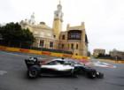 Suicidio Vettel, Hamilton ringrazia: vince e va in testa al Mondiale