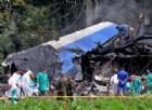 Aereo si schianta dopo il decollo: oltre cento morti