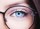 Chi indossa gli occhiali è davvero più intelligente: è una questione di geni