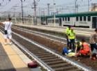 """La """"fiera dell'imbecillità"""" è di casa a Piacenza: si fa un selfie davanti ad una donna appena investita da un treno"""