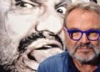 Toscani contro Salvini: «Stai attento, gli immigrati ti taglieranno le palle»