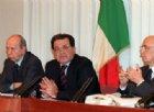 Quando i porti li chiusero gli altri: Prodi, Dini e Napolitano nel 1997 fermarono gli albanesi