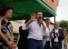 Da Macron... ai rom: Salvini sotto attacco sceglie la strada dell'ironia