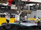 Hamilton trionfa e torna leader. Vettel, botto e penalità