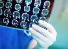 Va dal medico 10 volte e le dicono che ha sintomi della menopausa: ma era un tumore al cervello
