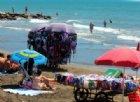 «Stop ai vu cumprà»: così Salvini libererà le spiagge dai venditori ambulanti