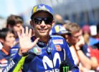 Dalla caduta alla prima fila: un'altra magia di Valentino Rossi