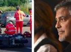 George Clooney a Olbia si schianta in scooter contro un'auto: il video dell'incidente