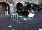 Firenze, «centri sociali devastano un gazebo della Lega»