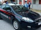 Carabinieri malmenati dai migranti mentre tentano di arrestare uno spacciatore