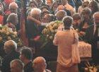 Genova, il giorno dei funerali tra dolore e protesta: nella notte estratti i corpi di un'intera famiglia