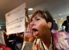 """""""50 anni di servitù, 2 settimane di sofferenze"""": in Regione esplode la rabbia degli sfollati del ponte Morandi"""