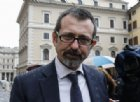 Il deputato di Fratelli d'Italia, Andrea Delmastro in piazza Montecitorio