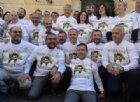«Nessuno tocchi Salvini»: i senatori della Lega in piazza con la maglia del 'capitano'