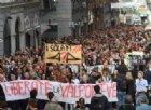"""""""Liberate la Valpolcevera"""": a Genova sfila la rabbia dei commercianti e degli sfollati del Ponte Morandi"""