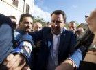 Salvini nel quartiere San Lorenzo per Desirée, tra urla e applausi: «Interverremo con la mano pesante»