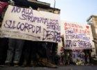 «Ora basta. Parliamo noi»: i migranti invitano i giornalisti nell'ex fabbrica Penicillina
