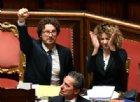 Toninelli «orgoglioso» della sua esultanza: «Nessun favore alle lobby»