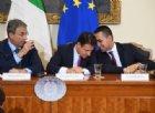Emergenza rifiuti Campania, il governo firma il protocollo: «Da oggi chiamatela Terra dei cuori»