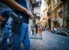 Napoli, tensione durante lo sgombero di due ville abusive: chiodi e benzina contro gli agenti