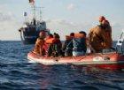 Migranti, la svolta di Conte. Ma Salvini non arretra: «Altro che aerei, a casa un bel po'»