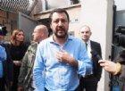 Salvini in Abruzzo, un uovo manca il Ministro: «Imbecille, mia nonna ti avrebbe dato due schiaffi»