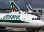 Alitalia, il Tesoro pronto a entrare nel capitale. Da Ferrovie l'ok alle trattative con Delta e Easyjet
