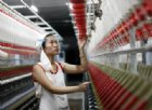 Cina, crescita ai minimi dal 1990. Il Premier avverte: «Sfide difficili»
