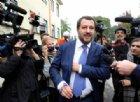 Salvini a un contestatore: «Lascia nome e cognome, hai vinto 10 migranti da mantenere per un annetto»