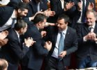 Diciotti, Salvini parla da spalti Lega: «Dedico la mia vita all'Italia». Applausi e abbracci