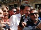 Salvini: «Due ragazze mi hanno chiesto un selfie e si sono baciate, ho detto auguri e figli maschi»