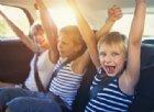Viaggi estivi: 10 passatempi per non far annoiare i più piccoli in auto