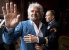 Beppe Grillo contro l'«avvoltoio» Matteo Renzi