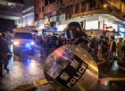 La polizia di Hong Kong si giustifica dopo lo sparo durante la protesta