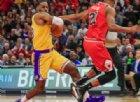 Lebron trascina i Lakers, 33 punti con 6 triple per il prescelto