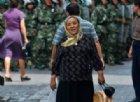 L'accusa: lavaggio del cervello a uiguri in campi Xinjiang. Ma Pechino nega: «Sono solo centri d'istruzione»