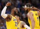 I Lakers soffrono ma sbancano New Orleans
