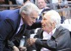 Kirk Douglas compie 103 anni
